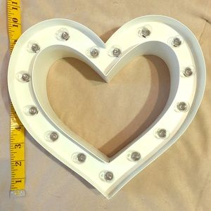 Heart marquee bulb decor